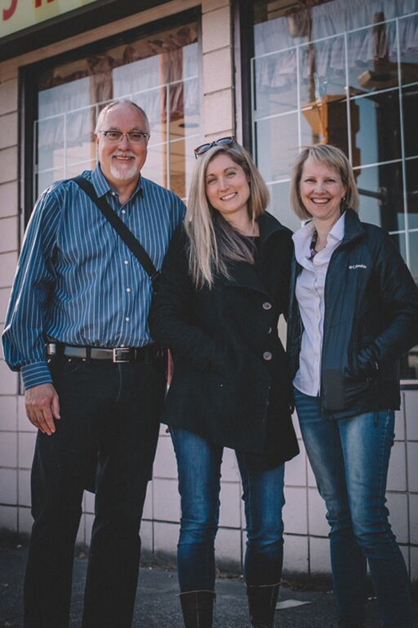 NSI's John Gill and Angela Heck with Amber Ripley (middle) on the set of Entanglement