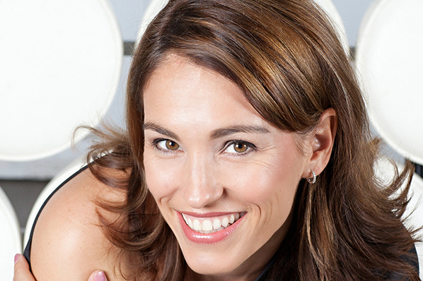 Amy Jo Johnson / Link to A Space Between